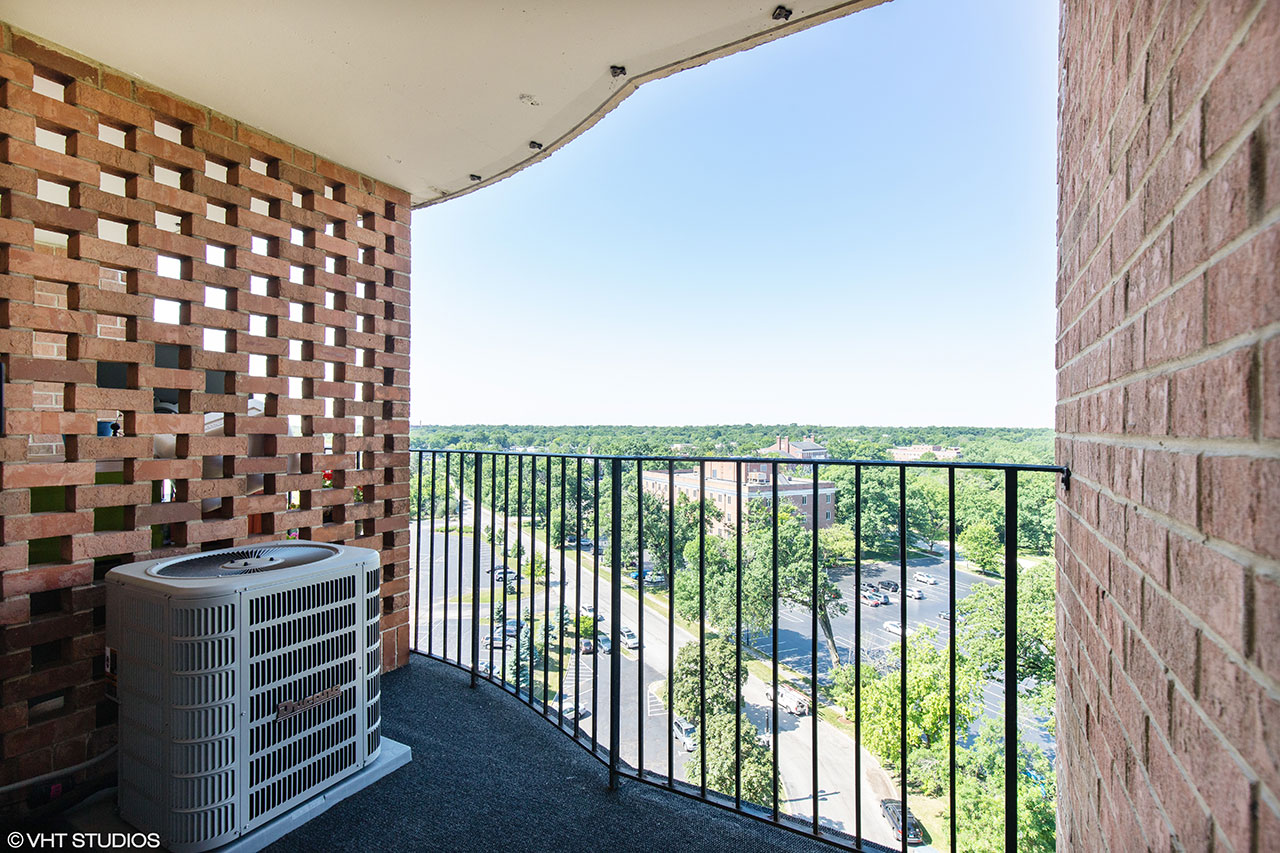 21 Spinning Wheel Road, Suite 11G, Hinsdale, Illinois